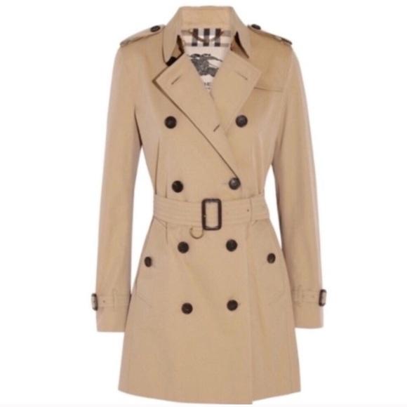 NWT Burberry Kensington honey trench coat jacket